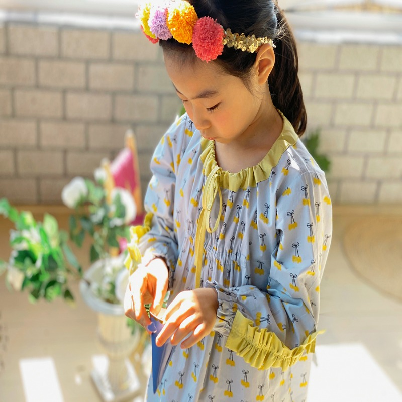 Yellow cherries night gown