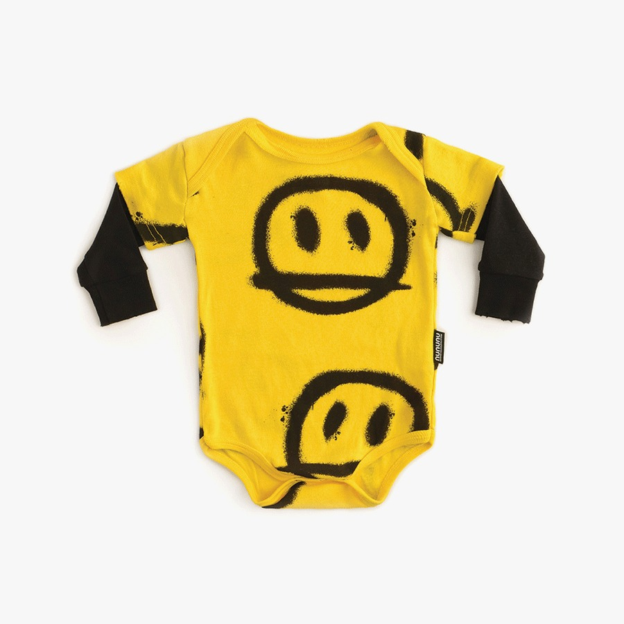 캐리마켓 -  Sprayed smiles onesie (new born)